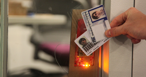 Adding a new user to the access list & RFID Door Hack : Rob Hemsley
